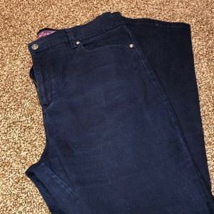 Navy blue Gloria Vanderbilt Amanda pants 3/$20